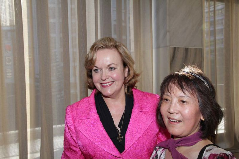 New Zealand Opposition Leader Judith Collins (centre)